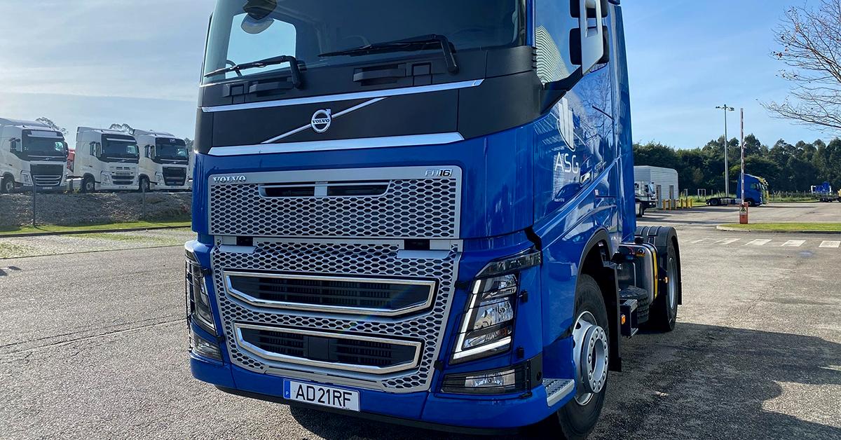 Camião Volvo FH16 550CV