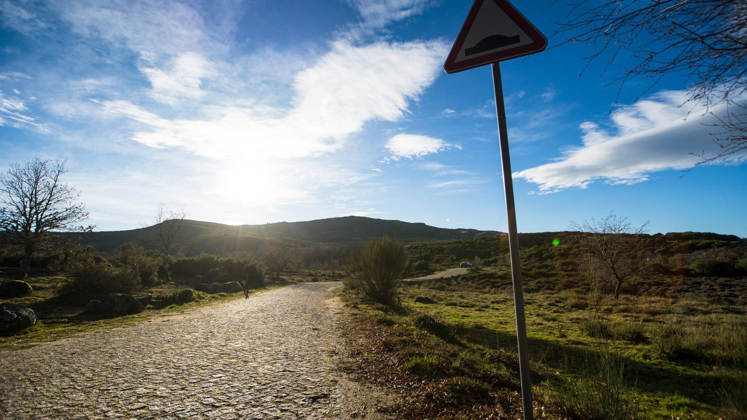 Execução da ligação entre o limite do concelho com Mondim de Basto - Barreiro/ Lamas d'Ôlo